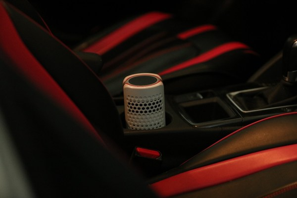 AMIRO Air Purifier at cup holder in car to clean the air with ease